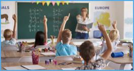 Schulklasse Tafel Lehrerin